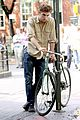 robert pattinson biking boy 05