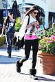 kendall kylie jenner christmas shopping 05