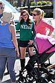 ariel winter julie bowen farmers market meet up 07