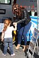 ariel winter skylar farmers market 08