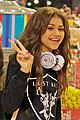 zendaya candy shopping cutie 04