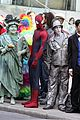 andrew garfield spiderman young fans 03