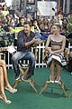 miley cyrus stops by good morning america 08