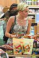 miley cyrus trader joes shopping 10