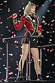 taylor swift vancouver red stop 03