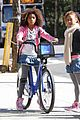 quvenzhane wallis annie bike ride 02