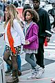 quvenzhane wallis carried jamie foxx annie 06