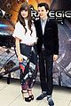 hailee steinfeld asa butterfield enders game in paris 02