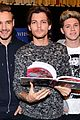 one direction book signing 02