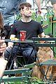 daniel radcliffe dog walker trainwreck nyc set 20