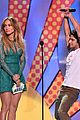 tyler posey jennifer lopez reunion teen choice awards 03