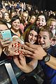 hunter hayes tour kickoff selfies fans 03