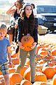 kelli berglund picking pumpkins 06