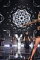 taylor swift victorias secret fashion show 2014 13