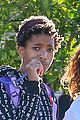 willow smith flashes a peace sign 04