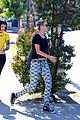 miley cyrus grab sushi lunch before july 4th weekend 34