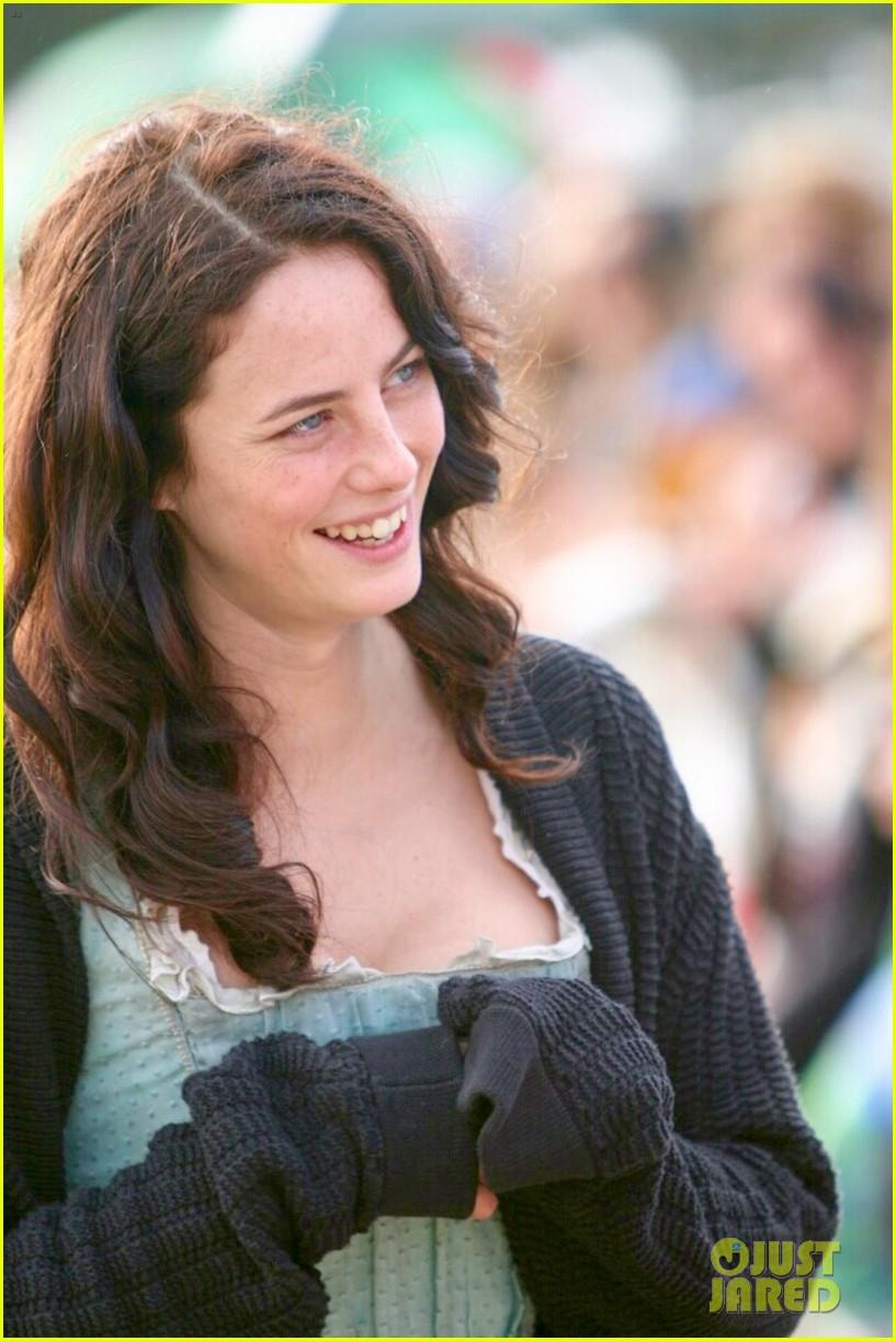 Kaya Scodelario Starts Filming New \'Pirates of the Caribbean\' Movie ...