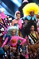 miley cyrus mtv vmas 2015 performance 12