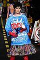 bella hadid windex moschino show milan fashion week 05