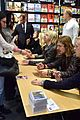 r5 meet greet sometime last night tour paris 01