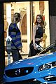 emma stone ryan gosling hold hands look so cute on set 27