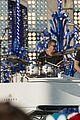 janel parrish tori kelly charlie puth disney chrismas parade pics 06
