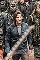 the 100 join or die stills 07