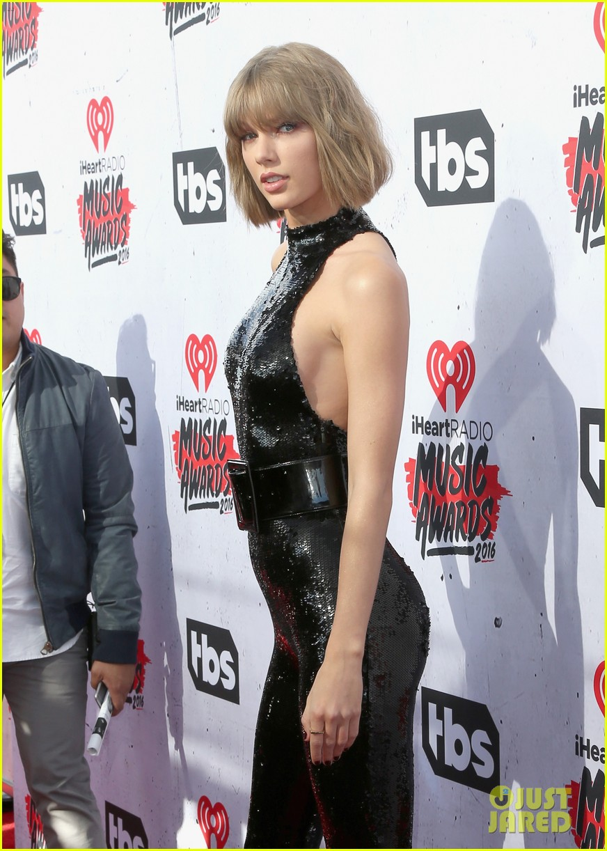 Taylor Swift Attends The Iheartradio Music Awards 2016 With