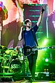 5 seconds of summer stockholm concert pics michael marilyn 18