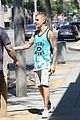 justin bieber lunch ralphs west hollywood 33