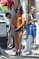 sarah hyland takes perfect burger picture 01
