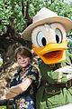 oakes fegley donald duck disney world visit 01
