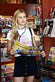 lindsay arnold shopping farmers market husband 08