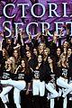 kendall jenner gigi hadid pose victorias secret models 06
