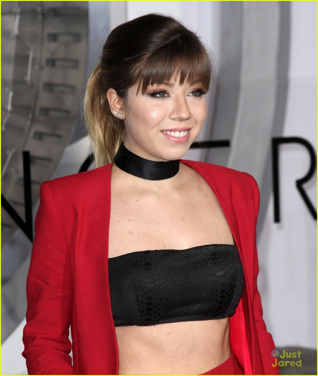 Jennette mccurdy makes a red suit statement at passengers jennette mccurdy makes a red suit statement at passengers premiere photo 1058634 photo gallery just jared jr voltagebd