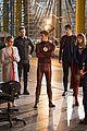 legends final crossover episode stills 07