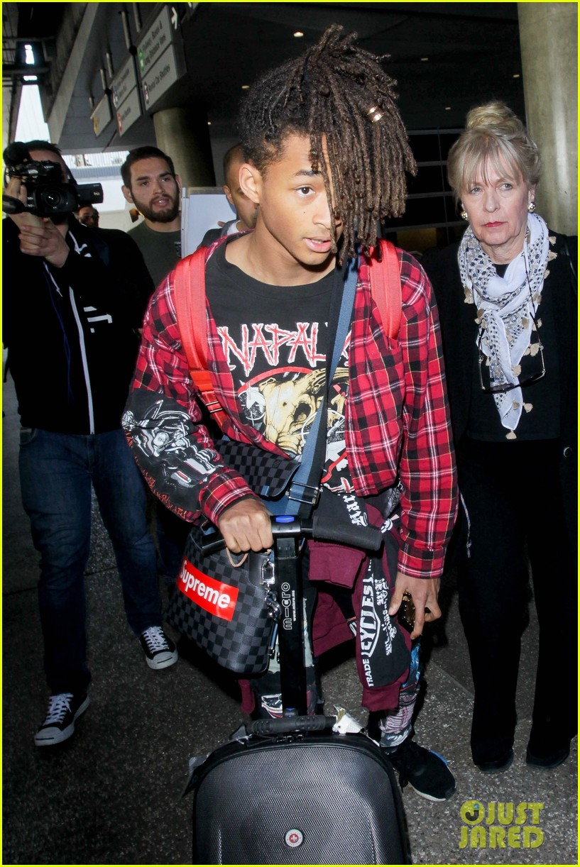 Jaden willow smith show off their cool airport style photo jaden willow smith show off their cool airport style photo 1074074 photo gallery just jared jr voltagebd Image collections