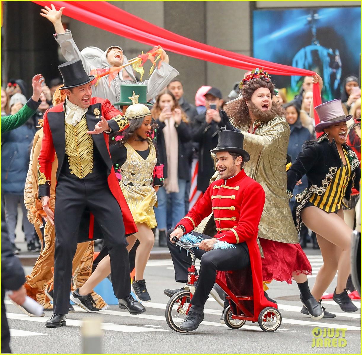 Zac Efron Zendaya Promote The Greatest Showman In Costume