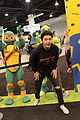 alex and maia shibutani have too much fun at nickelodeons vidcon 2018 booth 04