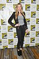 caity lotz legends of tomorrow co stars comic con 2018 11