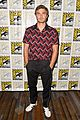 alex roe eline powell siren comic con 13