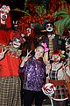 jojo siwa gets surrounded by spooks at knotts scary farm09