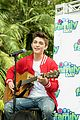 asher angel sings to peyton list 03.