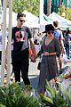 sarah hyland wells adams farmers market 05