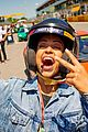 liza koshy becomes first woman to present pirello pole position award at formula 1 06