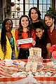 miranda cosgrove reveals icarly revival premiere date on her birthday 01