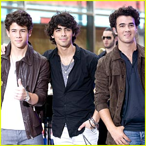 Jonas Brothers: We're Not Breaking Up!