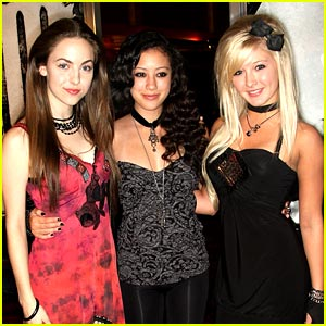 Keana Texeira & Brittany Curran Forget Me Not