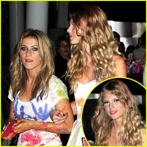 Taylor Swift & Julianne Hough Paint Each Other Pretty