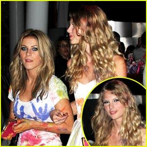 Taylor Swift & Julianne Hough Paint Each Other Pretty